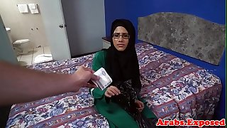 Spex muslim woman rides cock on camera