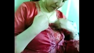 Indian Desi Housewife Showing Boobs and pussy