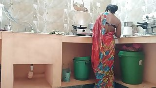 Desi indian Cuckold maid Fucked By house possessor In Kitchen