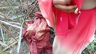 Bhabhi with her paramour trying to fulfill their sexual desires so went outdoor sexual fun where  traditional sex changed in western style outdoor anal invasion in traditional Saree couple gone wild